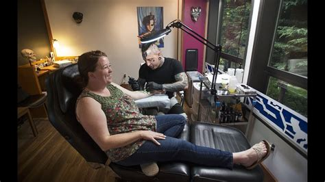 tattoo parlor tacoma laid back tattoo parlor opens in gig harbor youtube