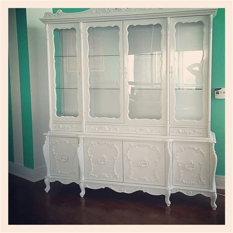 french provincial china cabinet craigslist i found this amazing 1940 s french provincial hutch on
