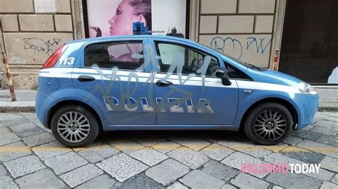 polizia volante zona via roma volante della polizia imbrattata con