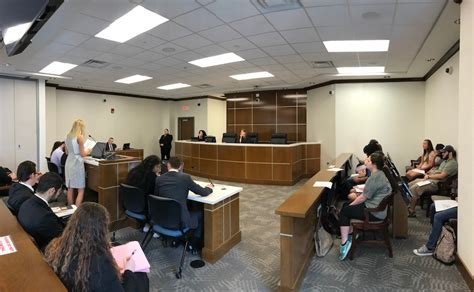 Radford Mba Courses by Chbs Cobe Collaborate On Mock Trial Radford