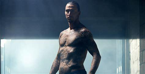 ibrahimovic tattoo spot ibrahimovic se tat 250 a todo el cuerpo contra el hambre