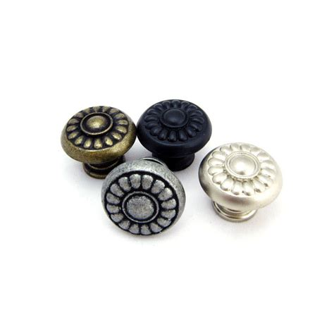 antique kitchen cabinet knobs antique style kitchen cabinet drawer knobs