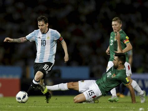 messi best player in the world lionel messi is the best player in the world vidal oneindia