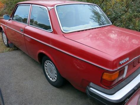 sell   volvo   dl coupe  nice condition   miles  reserve  westbrook