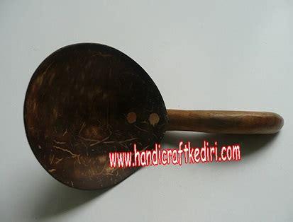 Centong Nasi Batok Kecil 20x7x2 Cm uncategorized kerajinan batok kelapa