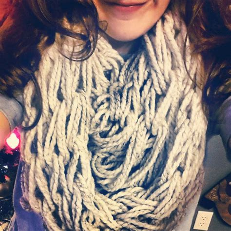 diy arm knitting infinity scarf arm knitting diy infinity scarf d i y diy