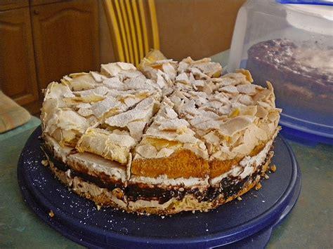 kuchen mit zwetschgenmus ernies erfrischende quark baiser torte mit pflaumenmus
