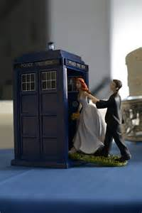 doctor who cake topper day 14 friday day who style knitting the tardis