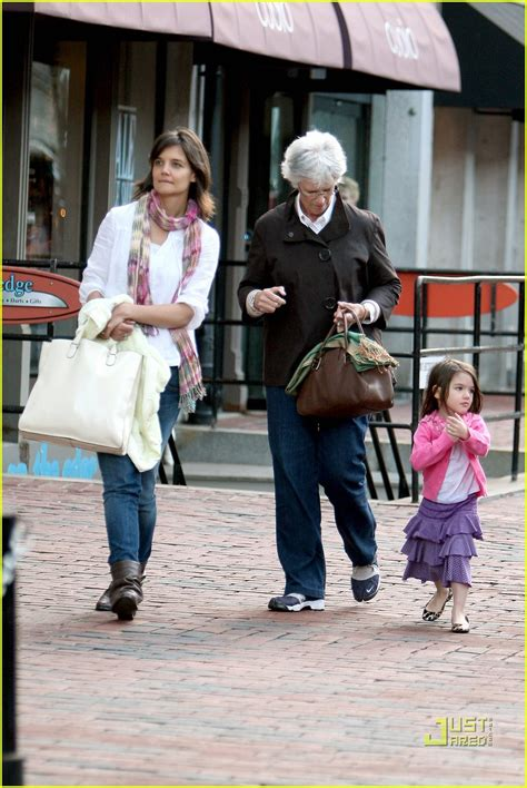 Tom Cruise Sign Suri Cruise As Baby Gap Model by Suri Cruise Fall Into The Gap Photo