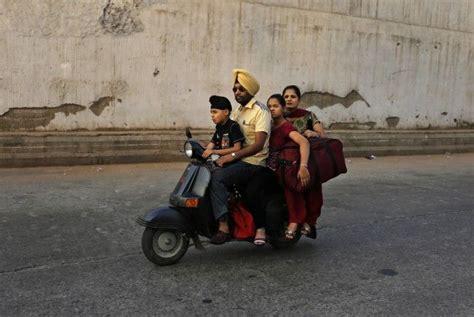 Motorrad Fahren Ohne Helm by Sikh Will Mit Turban Statt Helm Motorrad Fahren Vol At
