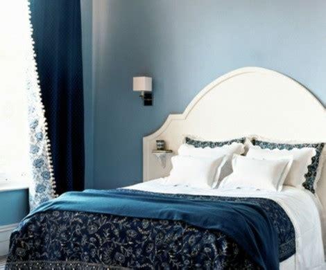 nachttisch grün schlafzimmer einrichten blau