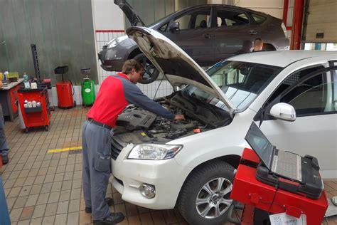werkstatt reparatur werkstatt reparatur auto toyota frech