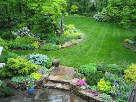 Landscaping Ideas For Big Backyards 25 Great Ideas About Large Backyard Landscaping On Pinterest Garden Makeover Solar L Post