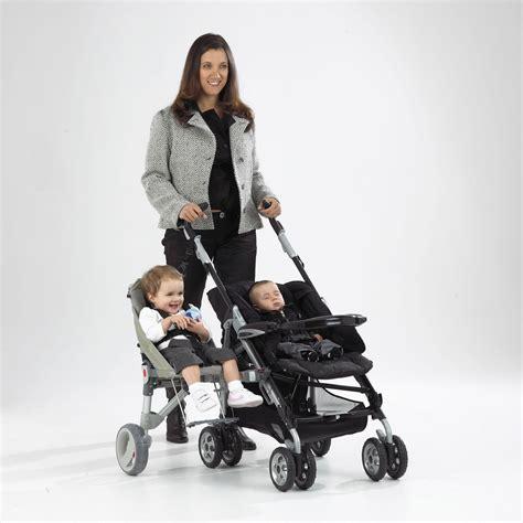 pedana passeggino con seduta buggypod muoversi con facilit 224 in passeggino con due