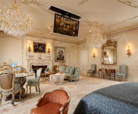 kronleuchter türkis wohnzimmer design teppich