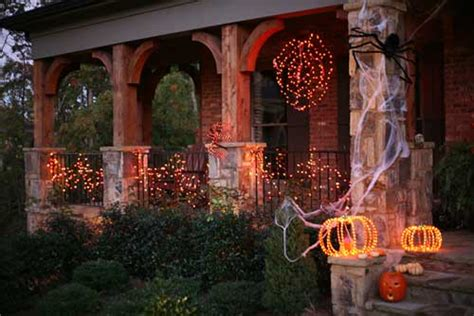 homes decorated for halloween spooktacular halloween decorations for the entrance of