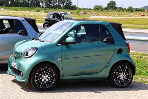smart brabus interni nuova smart brabus primo contatto newsauto it