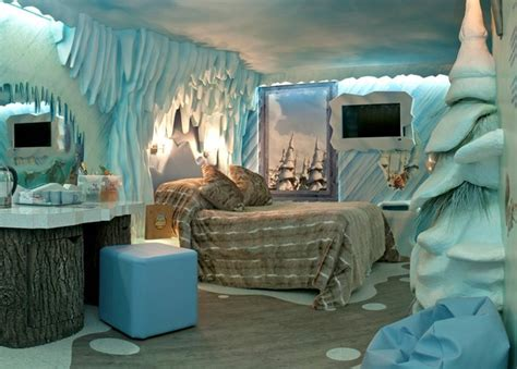 top  coolest themed hotel rooms vanilla sky dreaming
