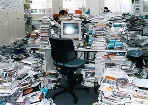 40 Home Offices That Are Messier Than Yours