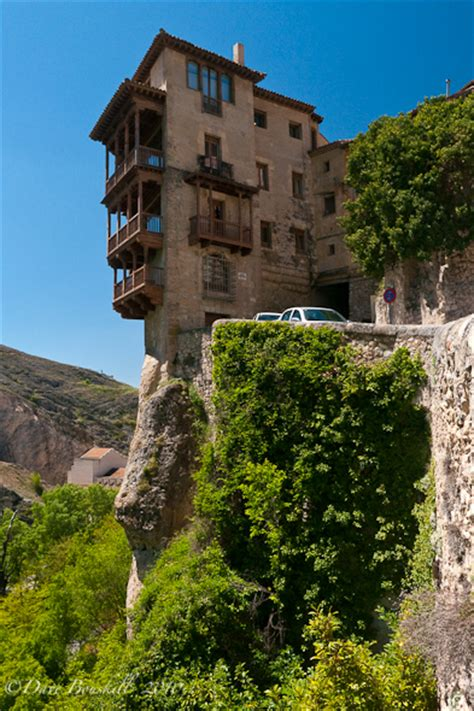 casas colgantes en cuenca cuenca and the casas colgadas the planet d travel blog