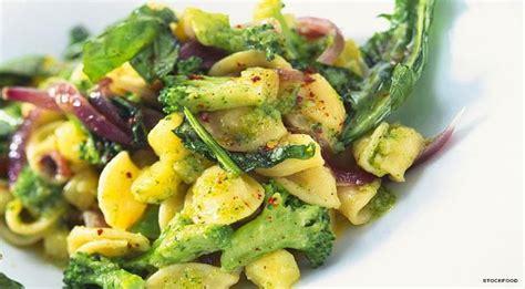 broccoli come si cucinano come cucinare i broccoli una guida con ricette con i broccoli