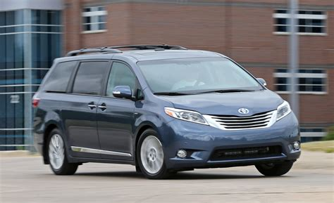 toyota awd cars 2017 toyota sienna le awd review future cars release date