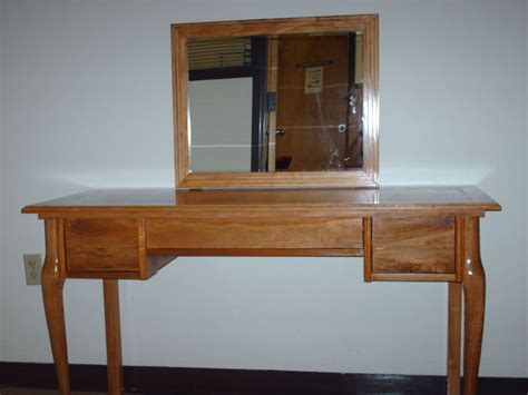 makeup vanity table reclaimed wood  cobra