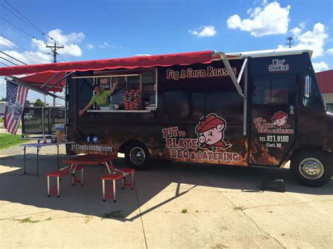 food trucks and pits pit to plate bbq cincinnati food trucks roaming hunger