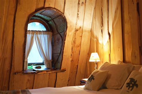 Dari Puncak Baqdad New Edition hotel unik menyerupai gunung di tengah hutan ganlob