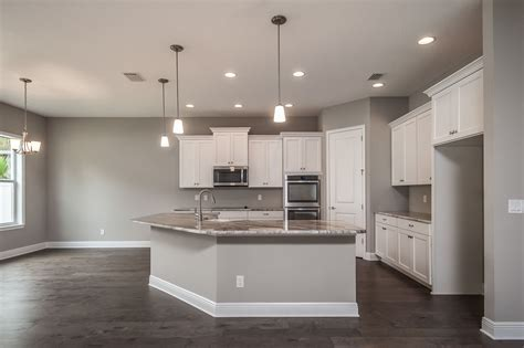 sherwin williams paint for wood cabinets white cabinets chesapeake way wood floors
