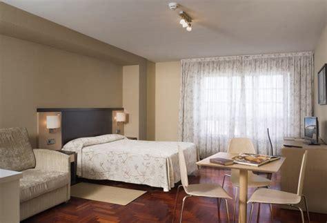 apartamentos attica portazgo en  coruna desde  destinia
