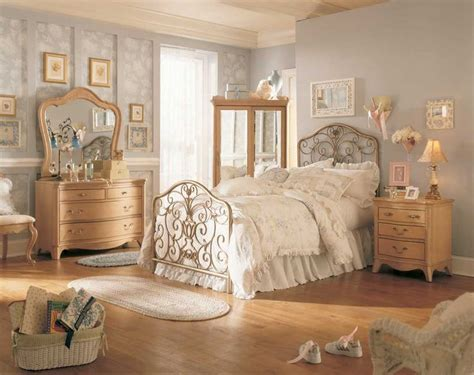 Vintage Bedrooms by 25 Best Ideas About Vintage Bedroom Decor On