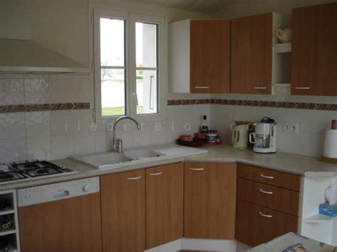 cuisine l馮鑽e location ile de r 233 maison avec jardin clos