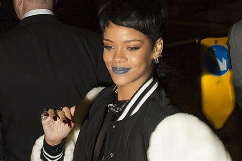 Rihanna Shows Us How Bangs Are Meant To Be Worn by Rihanna Shows Bangs Bob Hairstyle Photos