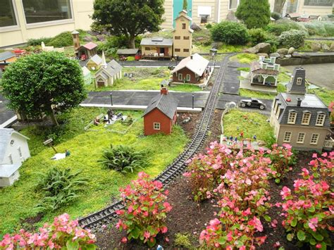 miniature gardening com cottages c 2 shopping the mini garden guru your miniature garden source