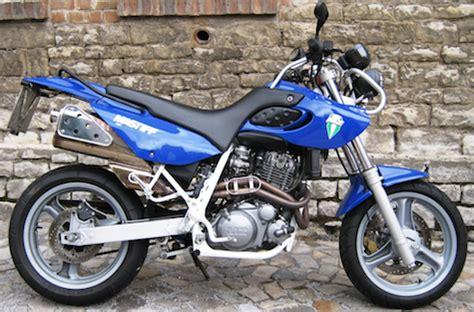 Motorrad Lackieren Essen by Mz Motorr 228 Der Der 90er 187 Twin Zweiradmessen Leipzig Und