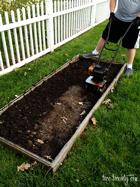 Planting The Vegetable Garden Of 2013 Preparing Vegetable Garden Soil