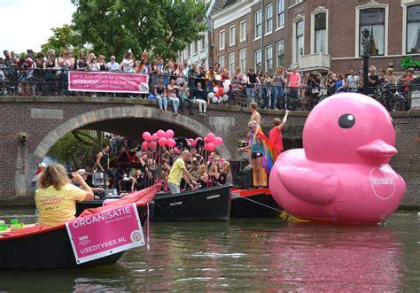 boten pride 2017 kbc canal parade utrecht 2017 kleine boten club utrecht