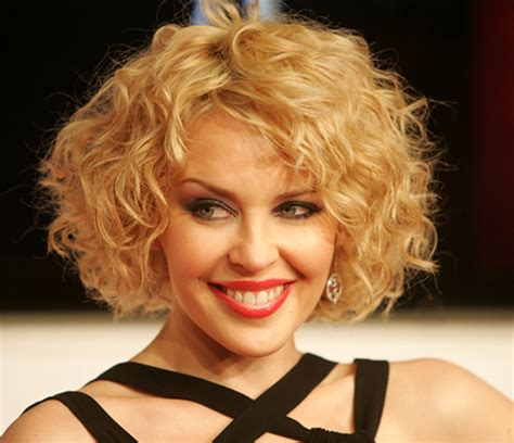 trendy hairstyles for curly hair curly haircuts for 2018