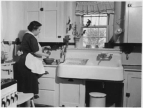Who Invented The Kitchen Sink Lillian Gilbreth S Kitchen Practical How It Reinvented The Modern Kitchen