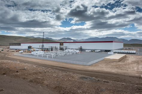 Tesla Giga Factory Location Inside The Gigafactory That Will Decide Tesla S Fate
