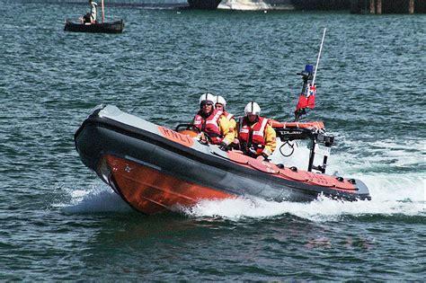 catamaran de vanzare olx file falmouth irb 02 jpg wikimedia commons