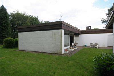 haus kaufen gelsenkirchen resse gem 252 tlicher bungalow mit gro 223 em grundst 252 ck garage