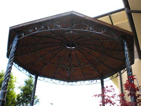 gazebo ferro per giardino gazebi in ferro battuto in ferro battuto cancelli in