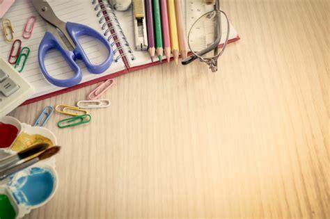 imagenes de utiles escolares gratis 218 tiles escolares en la mesa de madera descargar fotos