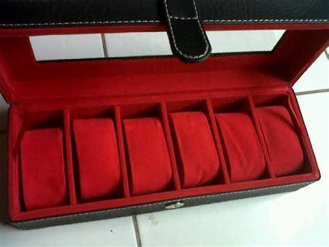 Tempat Makeup Box Kosmetik Hitam Inner Merah kotak jam tangan dengan desain elegan hitam inner merah jogja handycraft suplier kerajinan