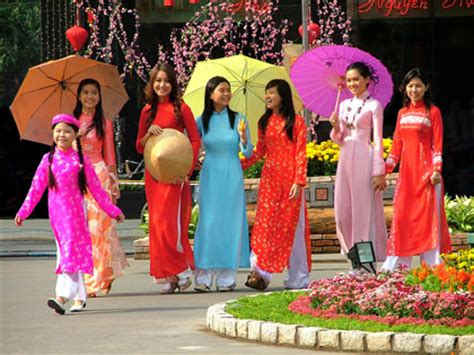 new year clothes information tet traditional festival of