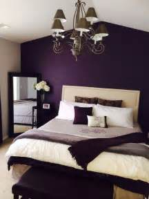 wall decorating ideas for bedrooms best 25 purple bedrooms ideas on purple