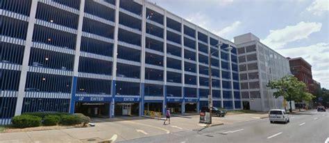 Parking Garage Near Busch Stadium by Stadium East Garage At 200 S Broadway St Louis Parking