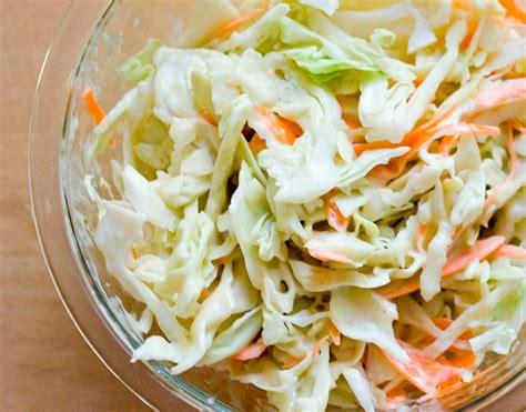 como se cocina la col c 211 mo preparar una ensalada de repollo o quot coleslaw quot